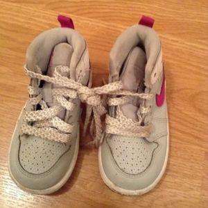 Sz 5 C used Girl's Air Jordans Sneakers Hitops